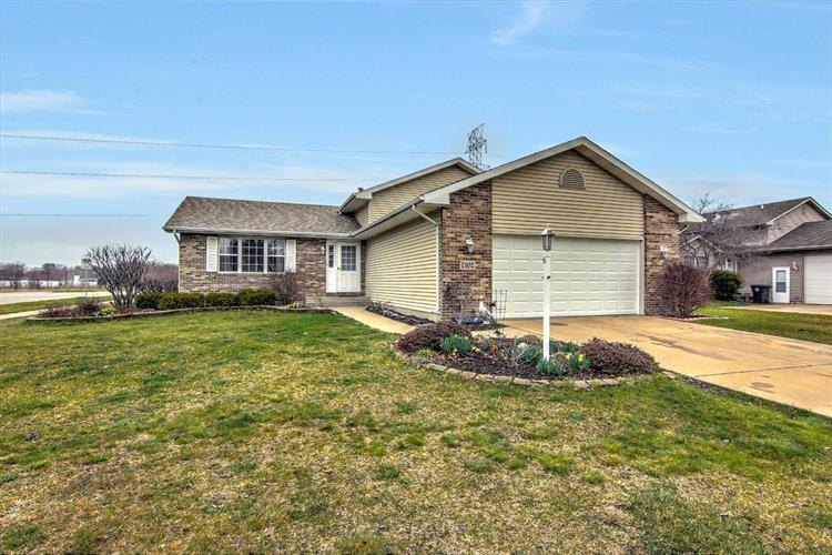 7102 Tanager Street, Hobart, IN 46342