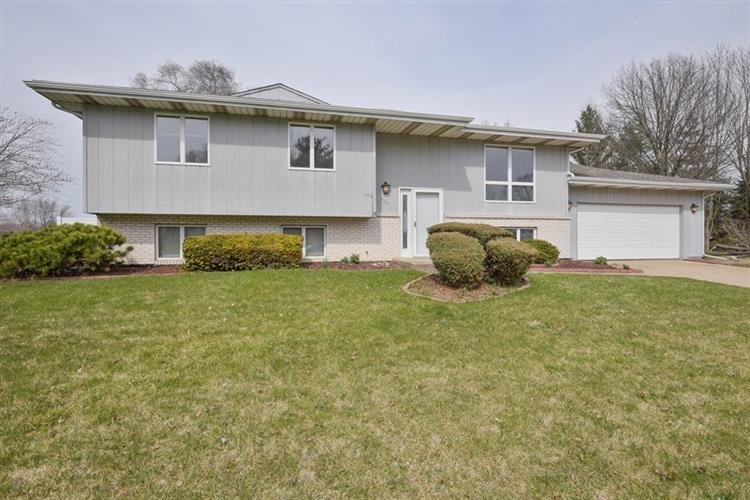 905 Hastings Terrace, Valparaiso, IN 46383