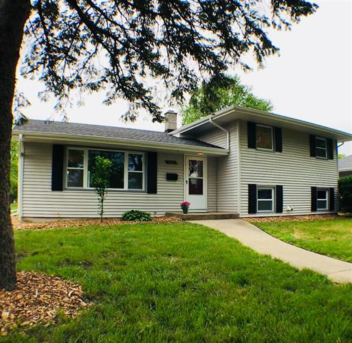 254 Evergreen Lane, Munster, IN 46321