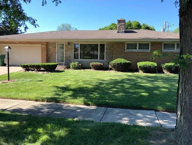 434 W 56th Avenue, Merrillville, IN 46410