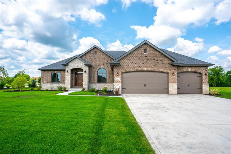 1611 Chalone Court, Crown Point, IN 46307