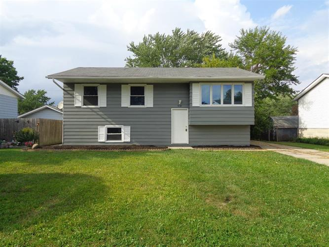 3238 W 74th Place, Merrillville, IN 46410