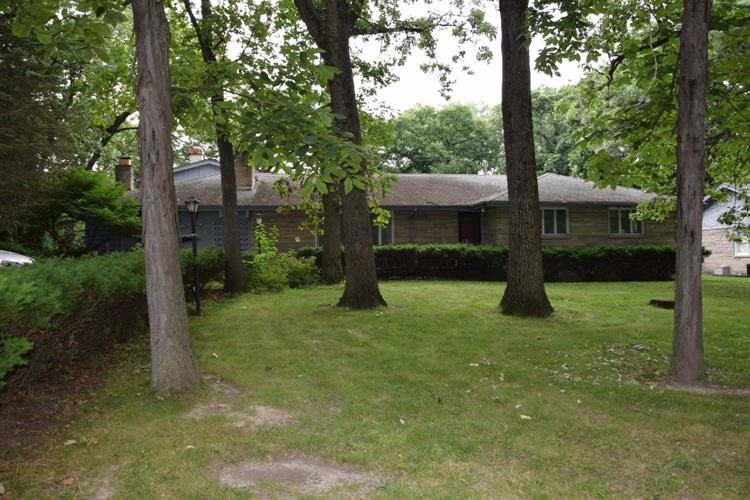 2716 Edgewood Drive, Dyer, IN 46311