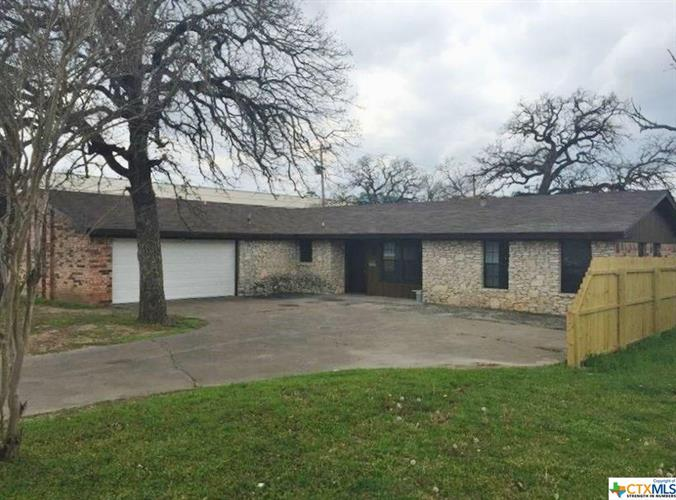 201 N 14th, Gatesville, TX 76528