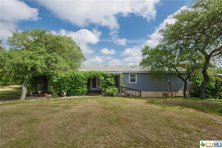 241 Private Road 180, Helotes, TX 78023