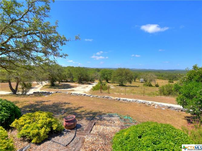 321 Friday Mountain Ranch Rd, Johnson City, TX 78636