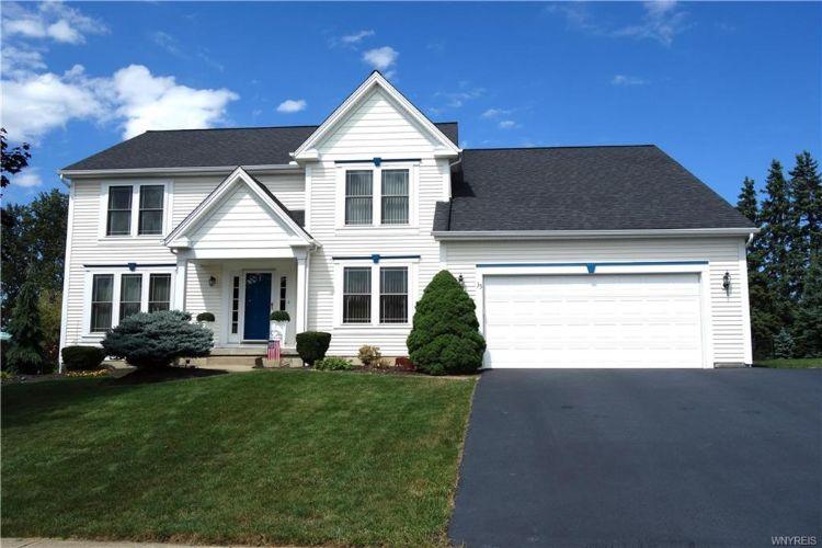 35 Pine Valley Court West Seneca NY 14224 Weichert.com ...