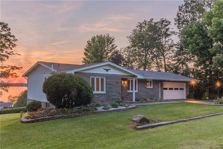 6109 Lake Road, Owasco, NY 13021