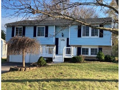 59 Coachlight Circle Farmington, NY MLS# R1308885