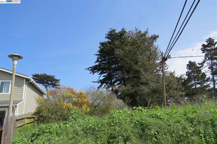 000 Terrace Avenue, Moss Beach, CA 94038 - Image 1