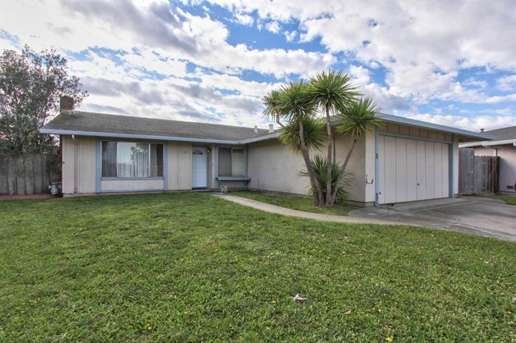 722 Sloat Circle, Salinas, CA 93907