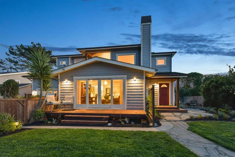 856 Park Avenue, Moss Beach, CA 94038