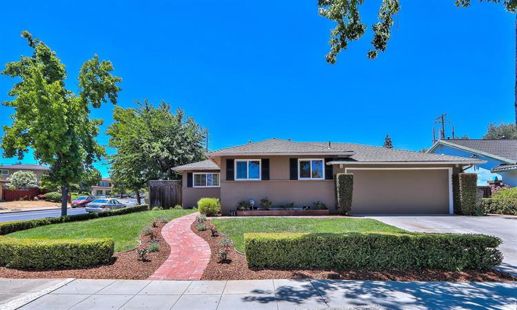 237 Carlton Court, Los Gatos, CA 95032