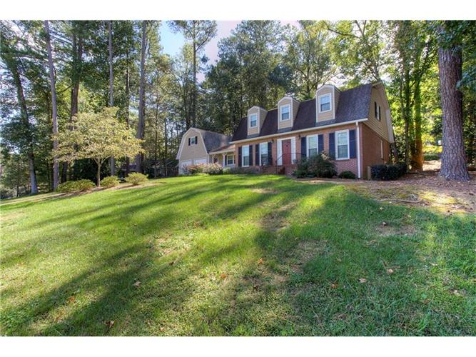 3785 Allsborough Drive, Tucker, GA 30084
