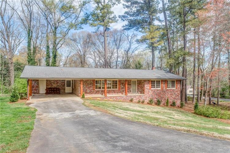 1505 Robinhood Trail, Gainesville, GA 30501