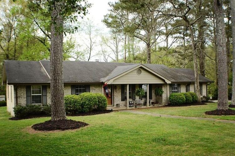 2623 Valley View Drive, Rocky Face, GA 30740