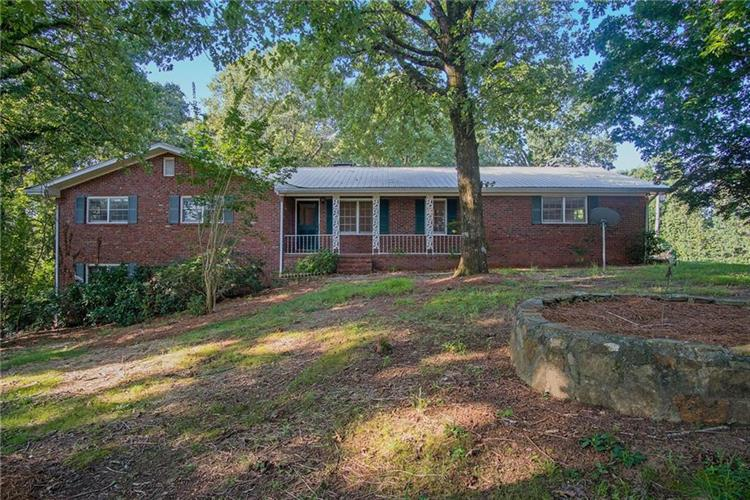 3960 HONEYSUCKLE Road, Gainesville, GA 30506