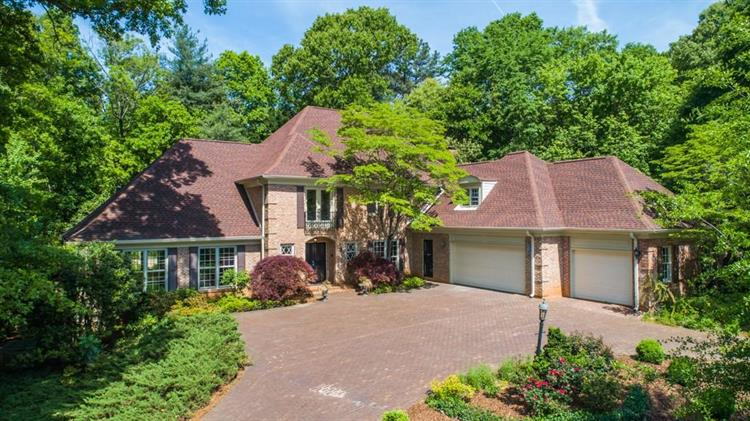 5740 Lake Island Drive, Sandy Springs, GA 30327