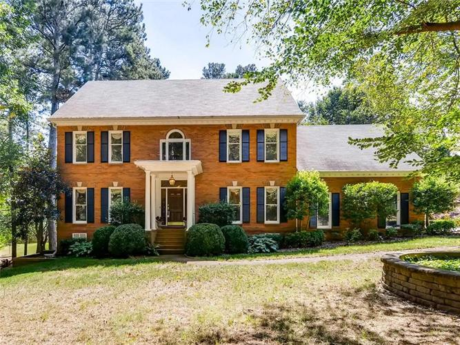1300 Cold Harbor Drive, Roswell, GA 30075