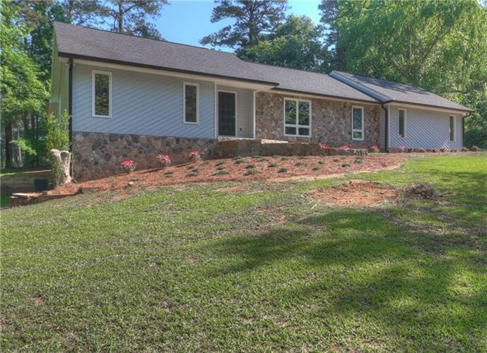 482 Club View Drive, Lawrenceville, GA 30043