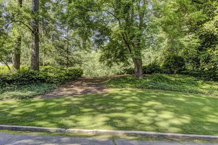 505 Tara Trail, Sandy Springs, GA 30327 - Image 1
