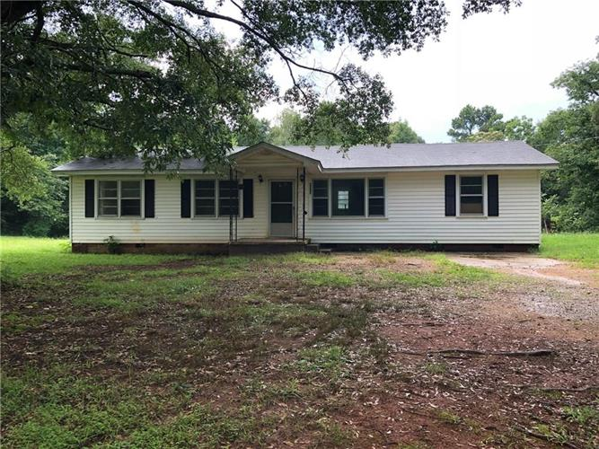 8323 Holly Springs Road, Maysville, GA 30558