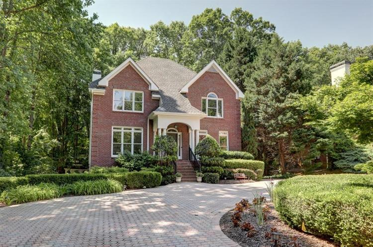 225 Sheridan Point Lane, Sandy Springs, GA 30342 - Image 1