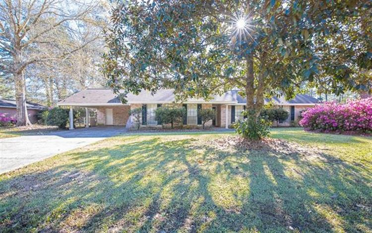 6 EDWARDS Place, Hammond, LA 70401