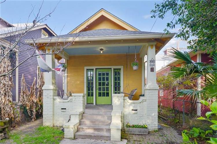 1106 CAMBRONNE Street, New Orleans, LA 70118