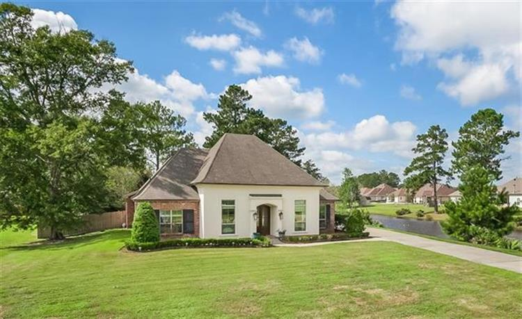 121 WILLOW BEND Drive, Madisonville, LA 70447 - Image 1