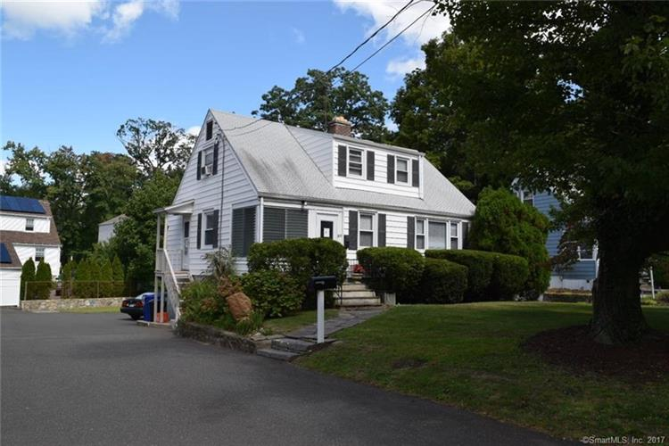 31 Lockwood Lane, Norwalk, CT 06851