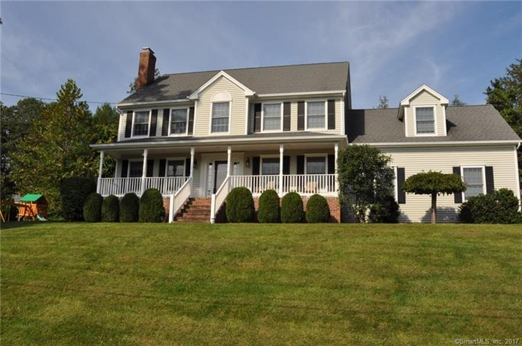 4 Hayfield Road, New Milford, CT 06776