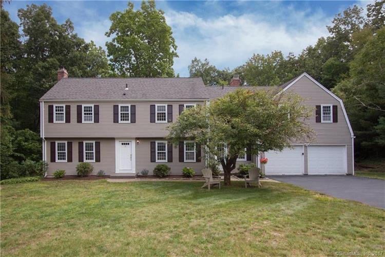 21 Stockade Road, Simsbury, CT 06092