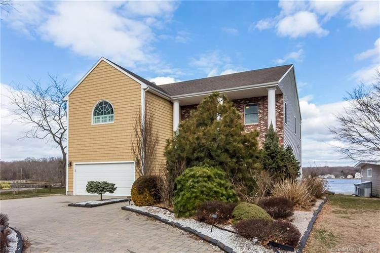 28 Windward Way, Waterford, CT 06385