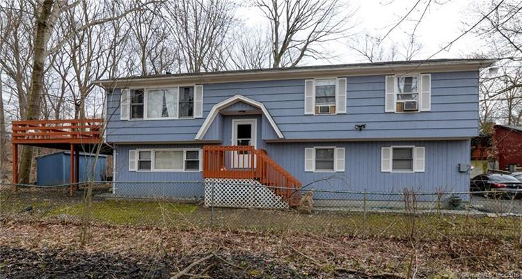 315 Holland Road, Bridgeport, CT 06610