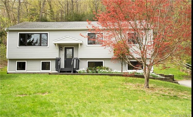 203 Hanover Road, Newtown, CT 06470