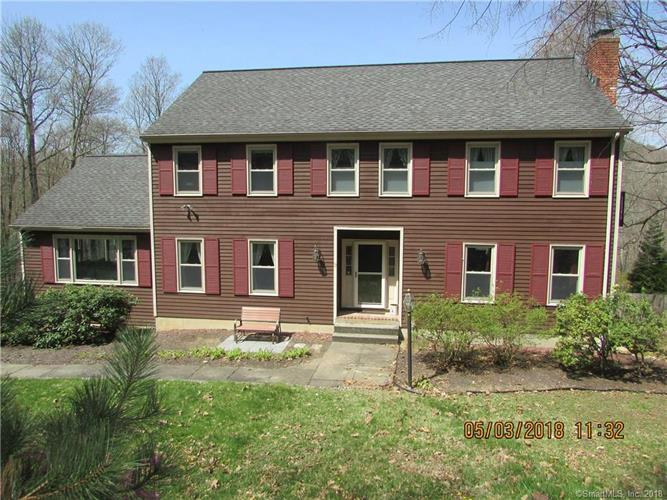 12 Hickory Lane, New Fairfield, CT 06812