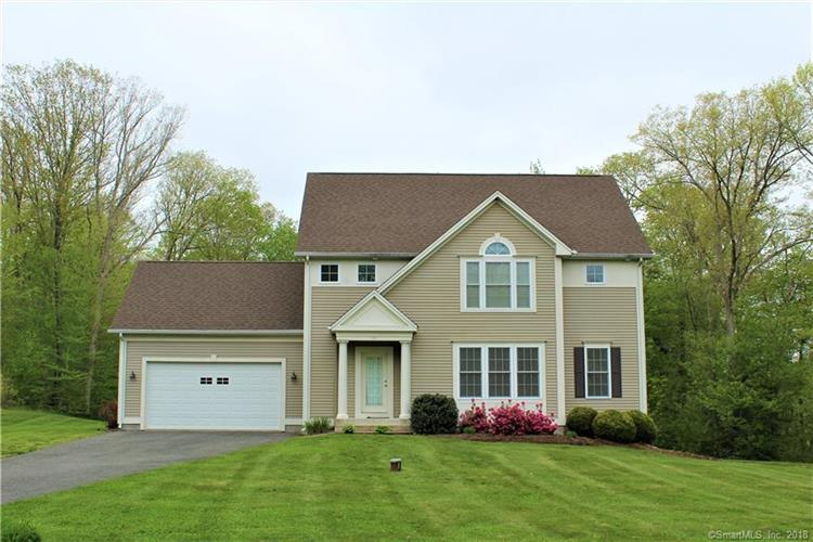 85 Nutmeg Circle, Colchester, CT 06415