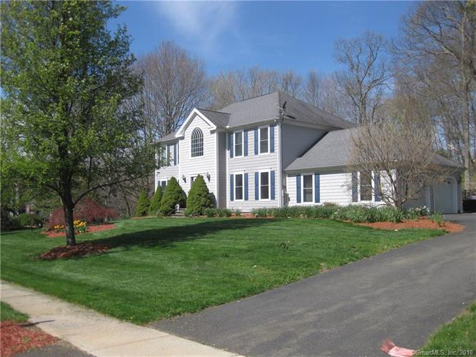 14 Autumn Leaves Road, Wallingford, CT 06492