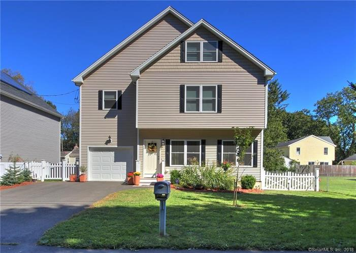 15 2nd Avenue, Milford, CT 06460