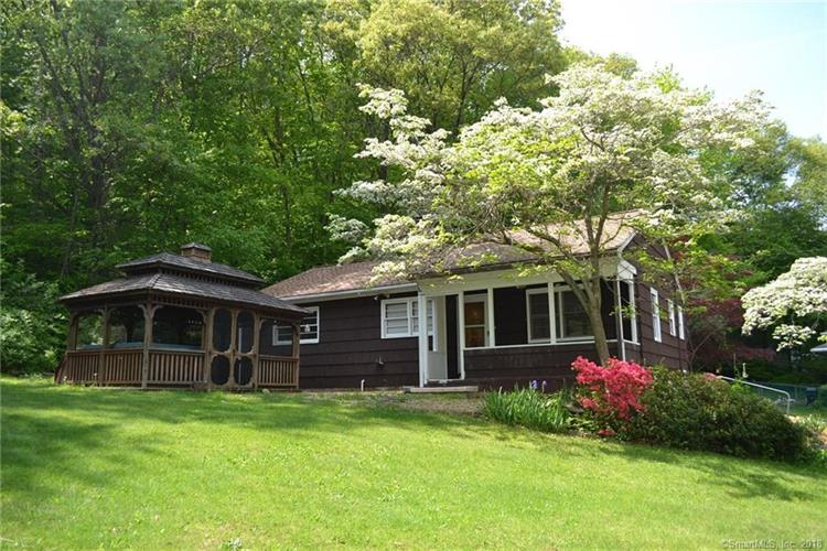 35 Bissell Place, Seymour, CT 06483