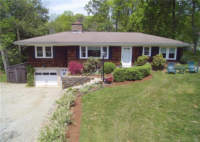 419 Colonial Road, Guilford, CT 06437