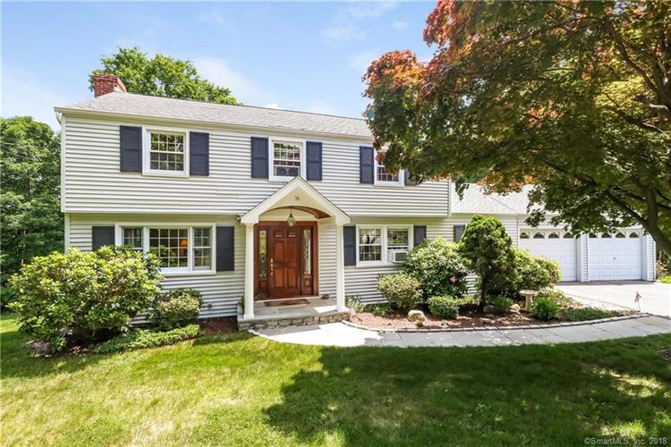 16 Tahoe Circle, Trumbull, CT 06611