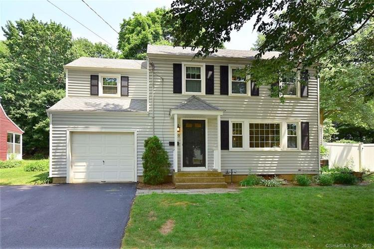 20 Mountain Road, West Hartford, CT 06107