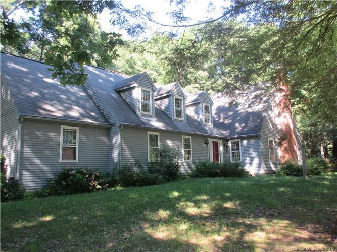 6 Charing Cross, Avon, CT 06001