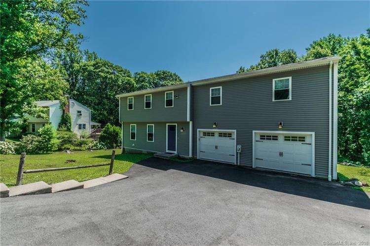 25 Oakdale Circle, Wallingford, CT 06492