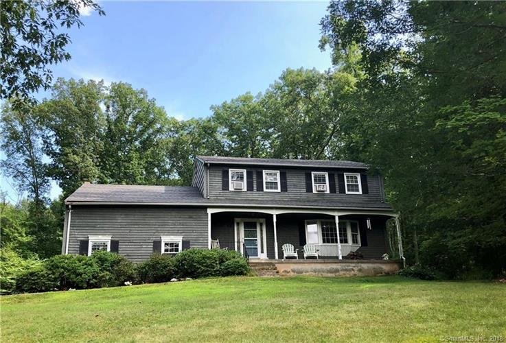 27 Hampden Circle, Simsbury, CT 06070