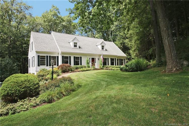 18 Old Stone Court, Ridgefield, CT 06877