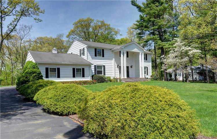 18 Fawn Circle, Trumbull, CT 06611