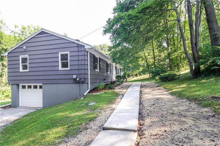 37 Turkey Roost Road, Monroe, CT 06468